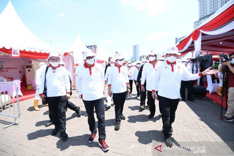 Ribuan relawan deklarasikan bersatu selamatkan bangsa dari COVID-19