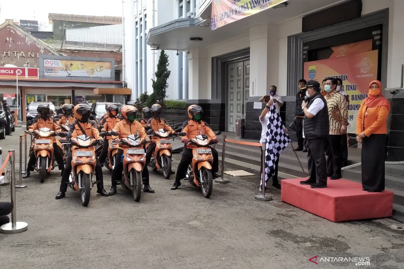 Pemkot Bandung salurkan bantuan kepada warga lewat PT Pos