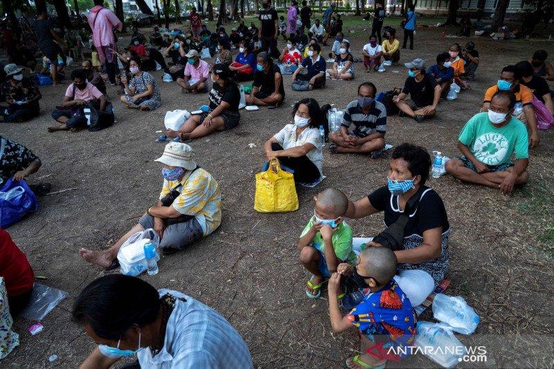 Bunuh diri publik simbol keputusasaan warga Thailand menanti bantuan