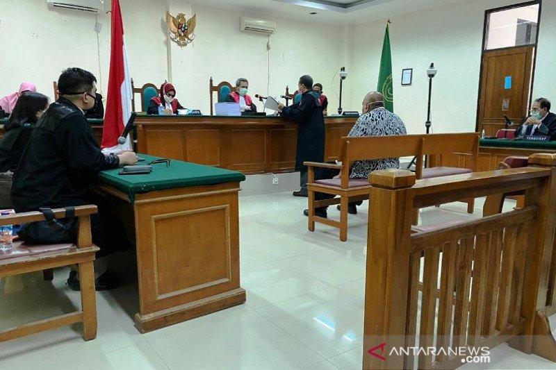 Terdakwa penyuap Muzni Zakaria pertanyakan Pasal 55 ayat (1) ke1-e KUHPidana tak disertakan dalam dakwaan