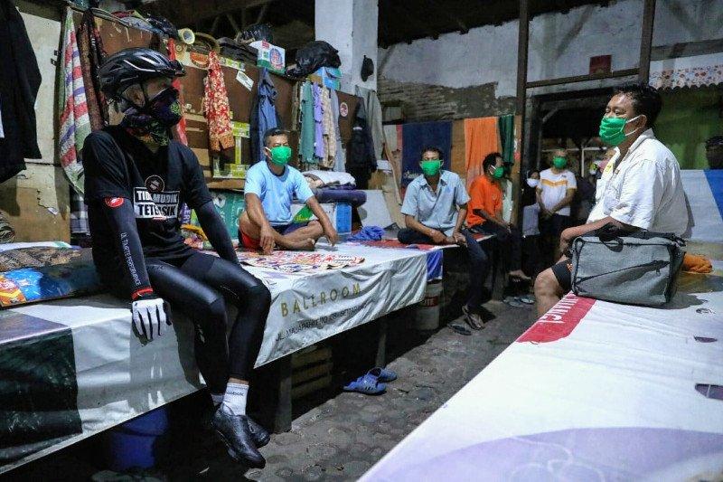 Sambangi perantau di Pondok Boro, Ganjar dapat keluhan kesulitan pendapatan