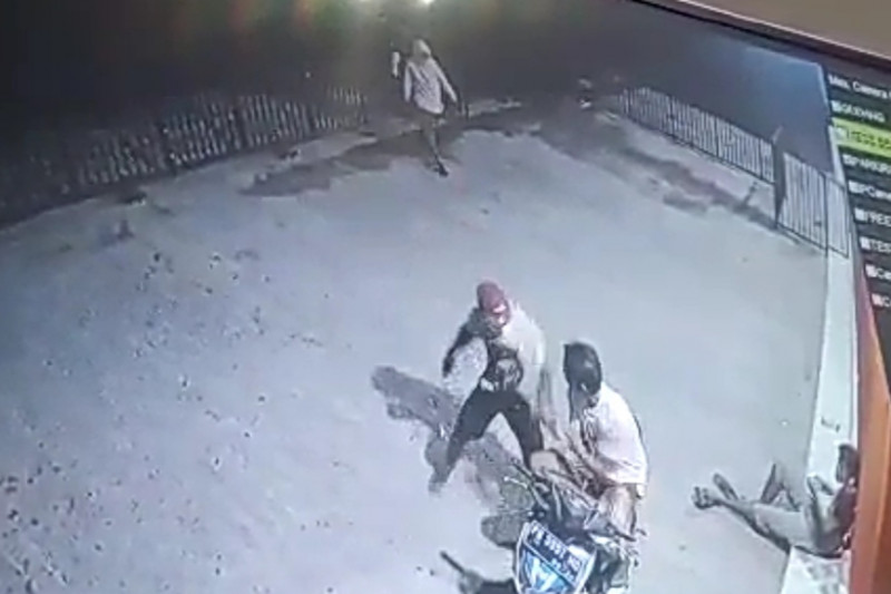 Pelajar dibegal di jalan raya Sakra-Rumbuk, sepeda motor dibawa kabur