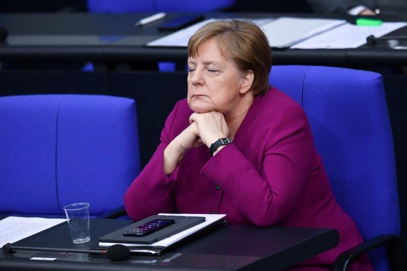 """Merkel serukan perdamaian pasca pembunuhan """"mengerikan"""" George Floyd"""
