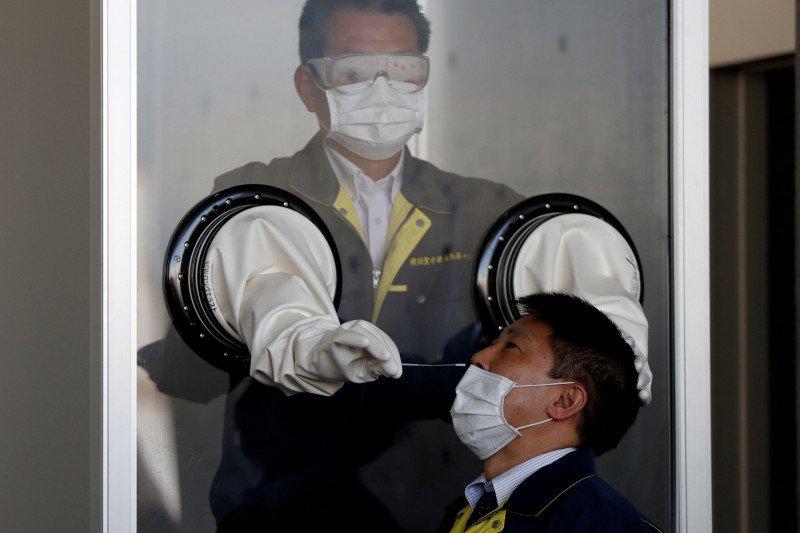Survei : Dokter di Jepang kekurangan masker dan tunjangan kerja