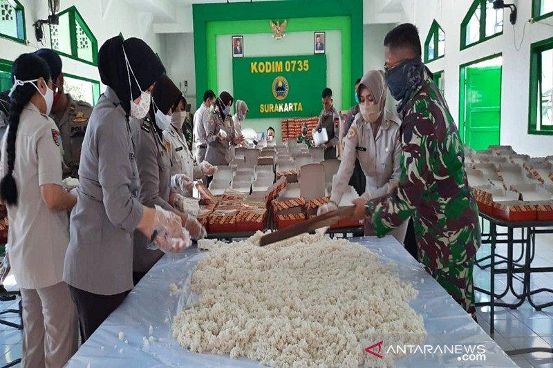 TNI-Polri bersinergi buka dapur umum selama Ramadhan di Solo