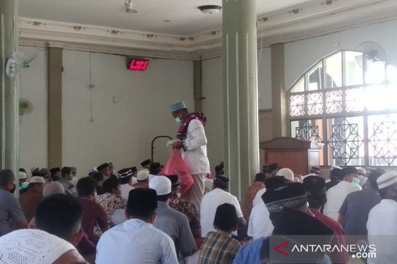 Muslim Wondama masih shalat Jumat dan Tarawih karena belum ada kasus corona