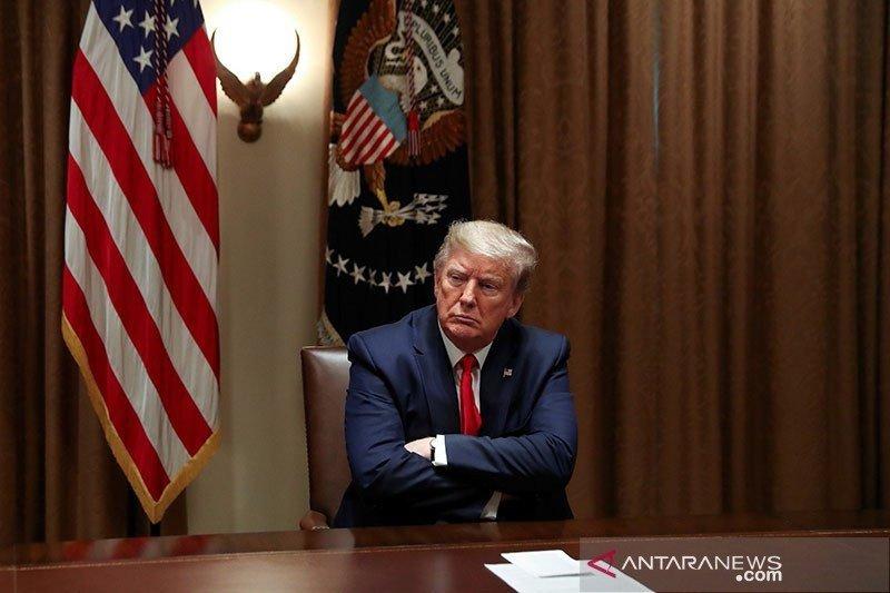 Presiden Trump bantah laporan rencana pemecatan menkes