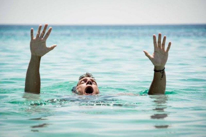 Bocah dilaporkan hanyut saat berenang di Kali Banjir Kanal Barat Tambora