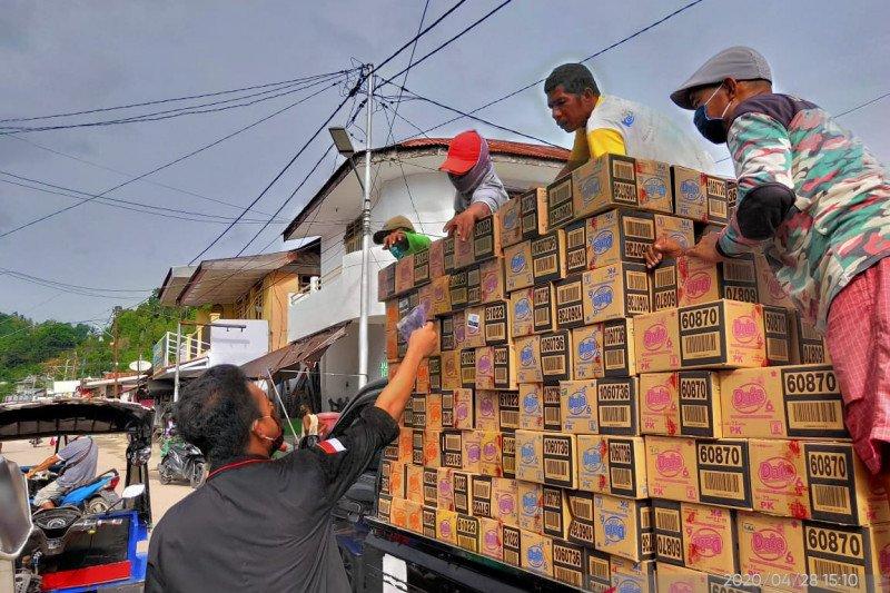 Pemuda di Banggai Laut bekerjasama buat 1.000 masker