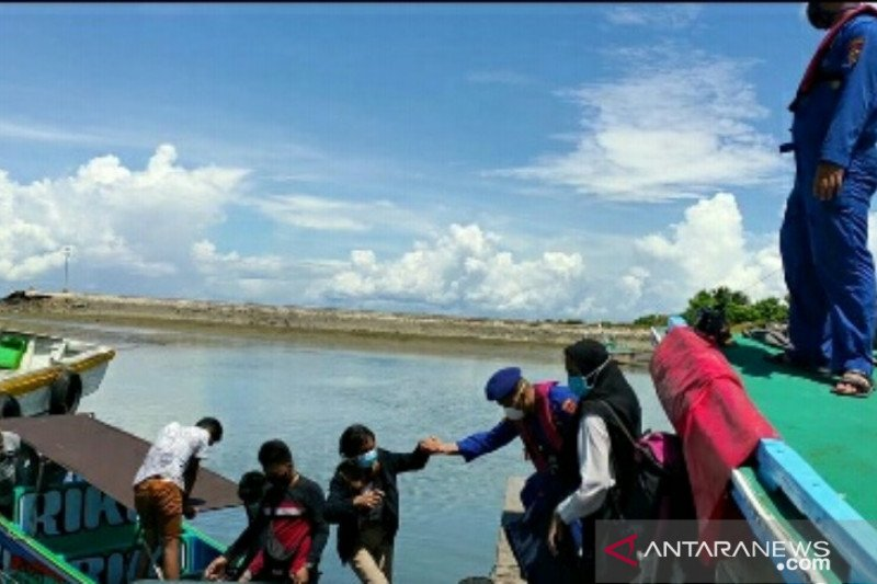 Penumpang kapal cepat mini ilegal isolasi mandiri
