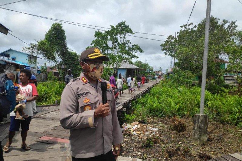 Kapolres Asmat imbau Warga Kali Cemnes Asmat ikuti anjuran pemerintah cegah Corona
