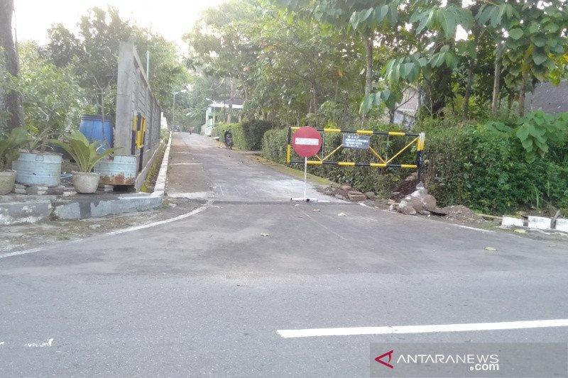 Pengamat: Tutup jalan kampung harus diikuti aturan