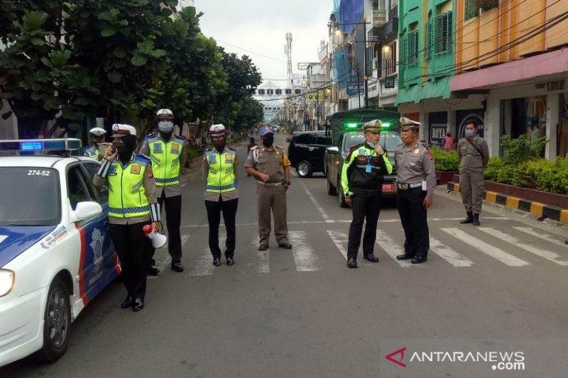 Polres Cianjur tutup beberapa jalan protokol kurangi volume kendaraan