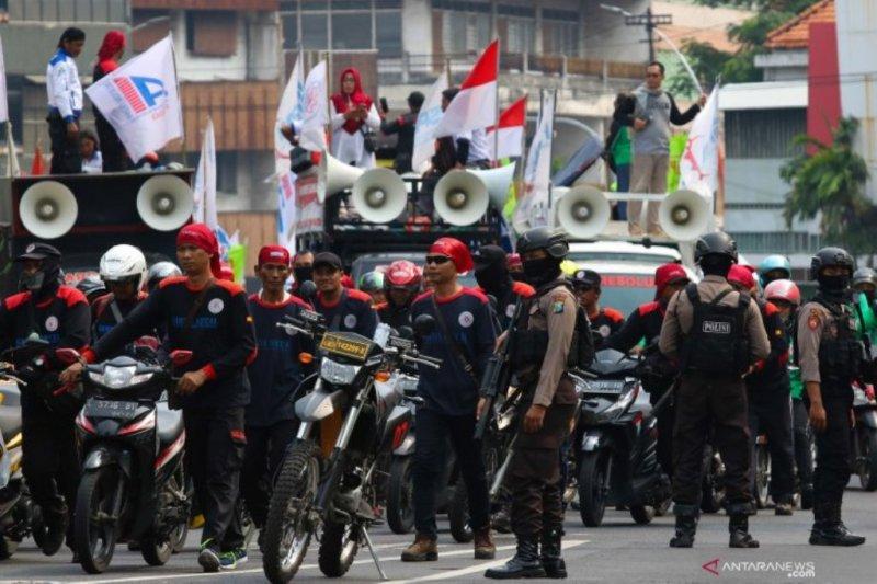 Sejumlah musisi ikut menyuarakan suaranya bagi perjuangan buruh dan pekerja di 'May Day'