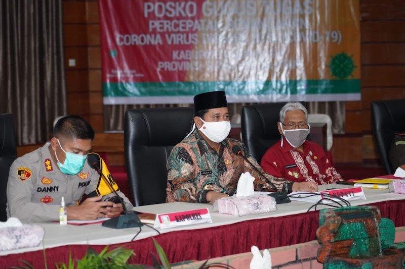 Askolani sesalkan tiga perusahaan di Banyuasin PHK 150 orang tenaga kerja