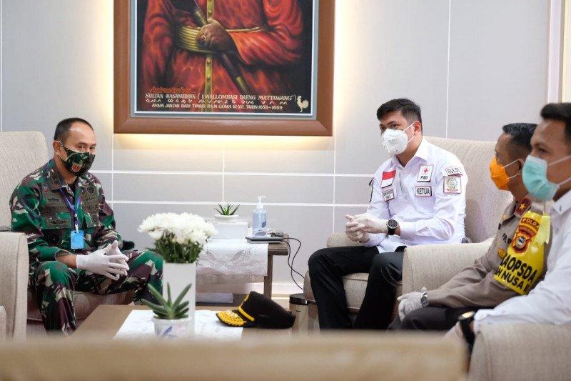 Pangdam XIV Hasanuddin meminta bansos COVID-19 diantar langsung
