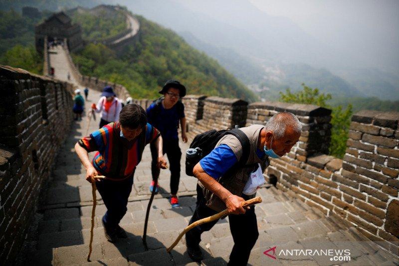 Menhan Inggris minta China terbuka soal COVID-19