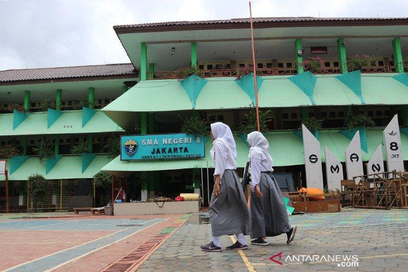 Data kelulusan SMA sederajat di Kalteng masih direkap, siswa dilarang corat-coret