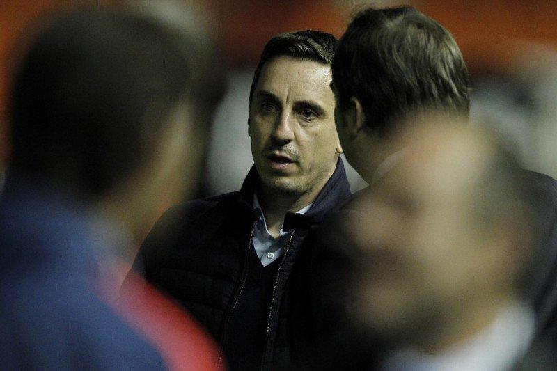 Mantan bintang MU Gary Neville sindir Liga Premier dan klub-klubnya tak bertanggung jawab