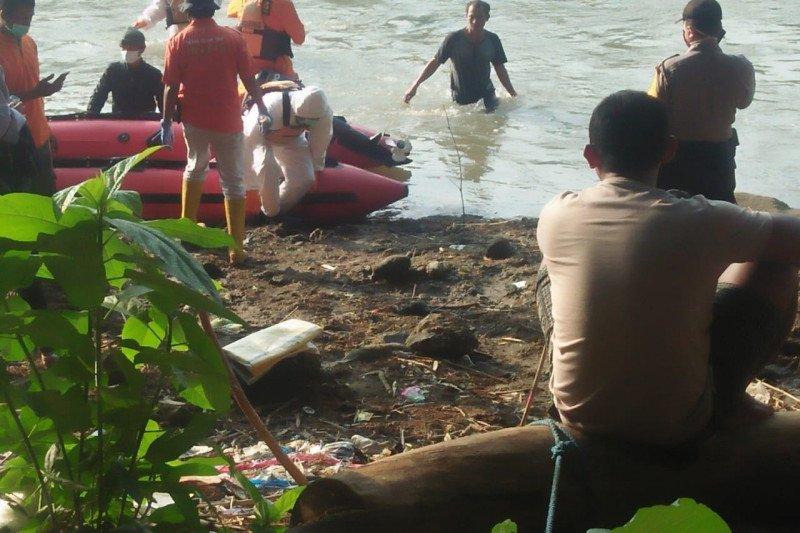 SAR gabungan berhasil temukan siswa SMK tenggelam di Sungai Brantas