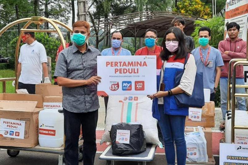 Pertamina bantu APD untuk Tenaga Kesehatan RS Holistic Purwakarta