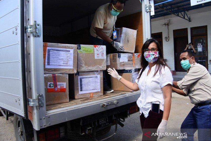 Bantuan reagen untuk pemeriksaan COVID-19 tiba di Kupang