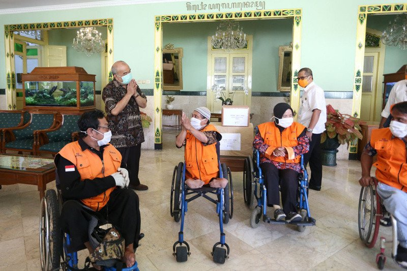 Yogyakarta menyalurkan bantuan asistensi bagi penyandang disabilitas