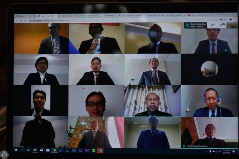 ITB wisuda 34 mahasiswa profesi insinyur via video teleconference