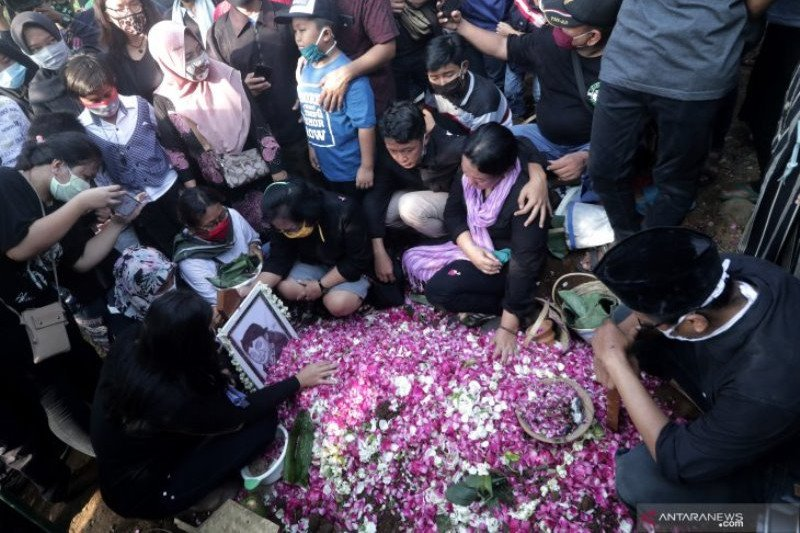 Keluarga minta Sobat Ambyar tunda ziarah makam almarhum Didi Kempot