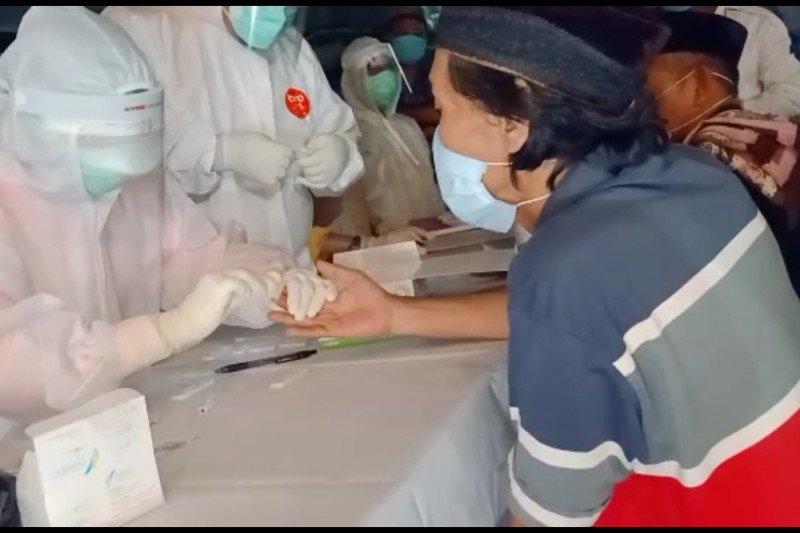 Hasil rapid test enam orang jamaah tarawih di Sidoarjo reaktif