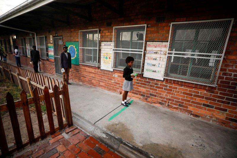 98 guru dan 1.800 murid di Afrika Selatan terinfeksi COVID-19