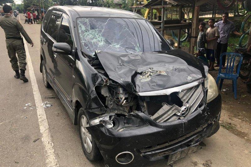 Seorang pengendara motor tewas usai hantam mobil Avanza