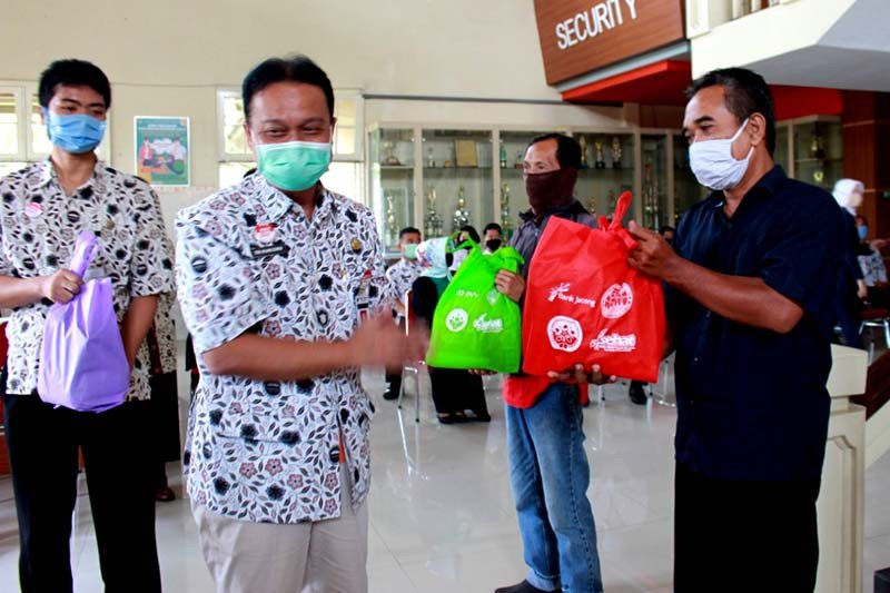 RSMS Purwokerto salurkan ribuan paket sembako  kepada warga miskin