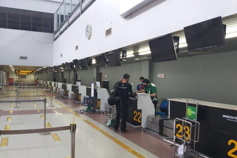 Bandara Minangkabau kembali beroperasi, sejumlah penumpang tidak kantongi syarat untuk terbang