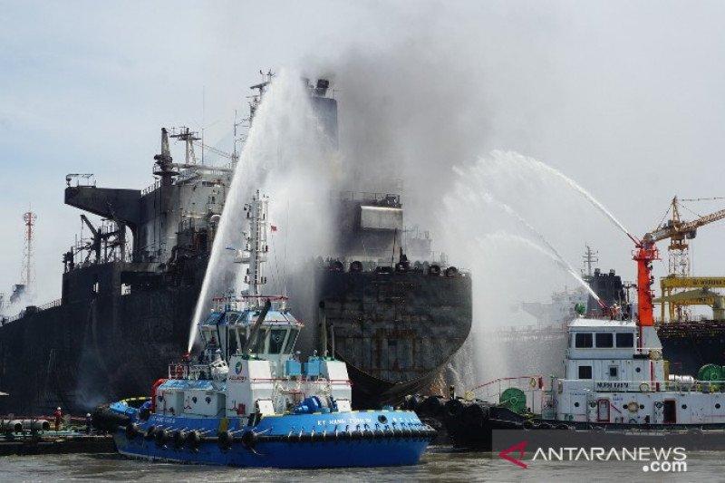 Jumlah korban kapal tanker terbakar bertambah menjadi 22 orang