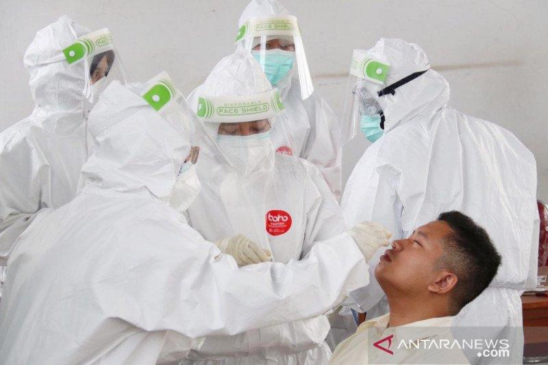 Pemeriksaan kesehatan massal pada pengguna KRL di Stasiun Bojonggede