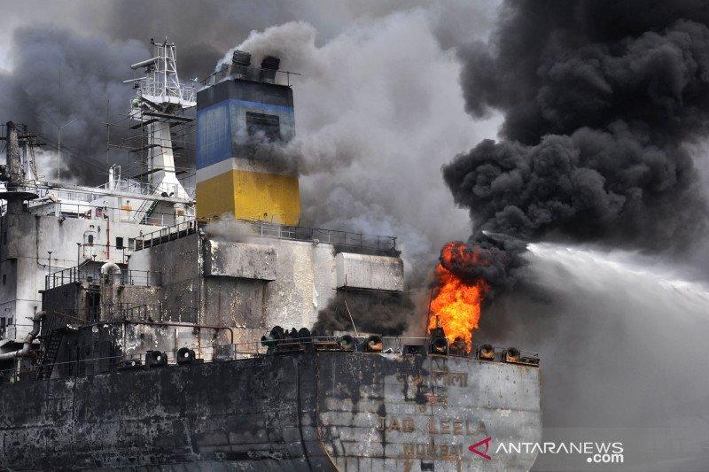 Korban jiwa akibat kebakaran kapal di Belawan Medan menjadi lima orang