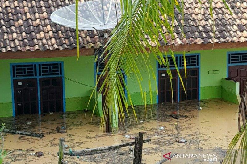 1.300 KK di Kabupaten Ogan Komering Ulu Selatan terdampak banjir bandang