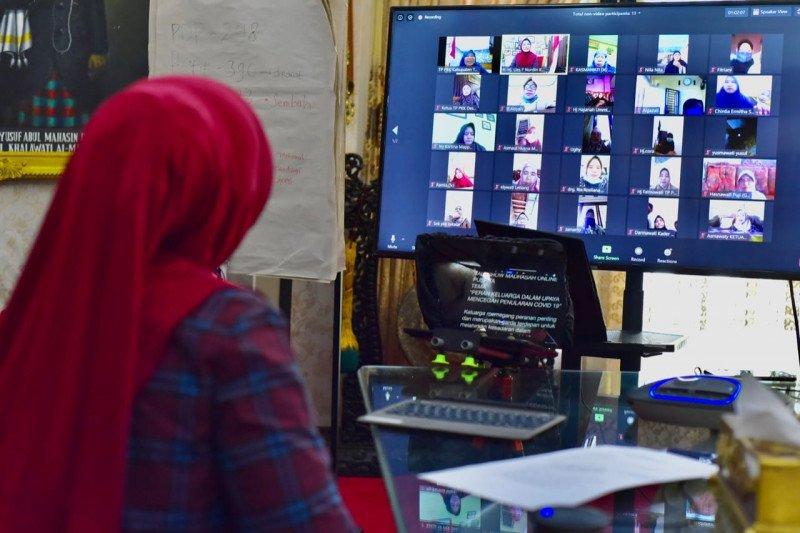 Ketua TP PKK Sulsel ajak ibu-ibu cegah COVID-19 dari rumah