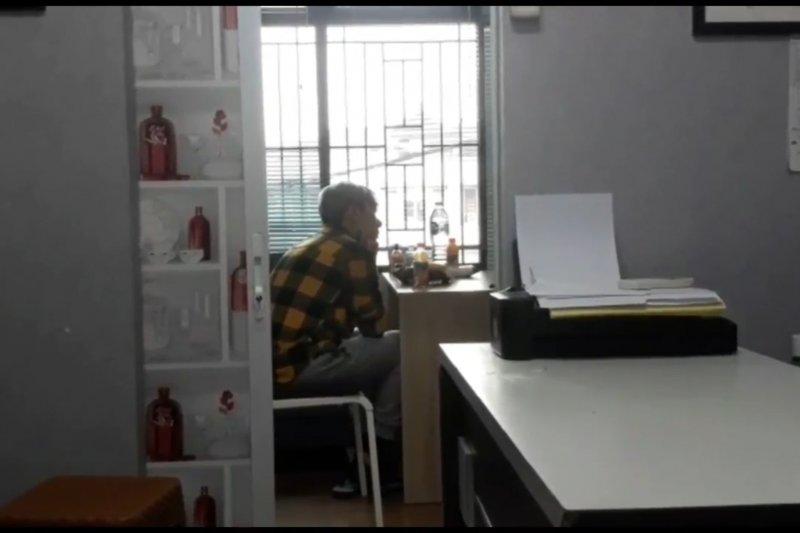 Pengacara Roy Kiyoshi minta polisi tindak penjual obat  psikotropika daring