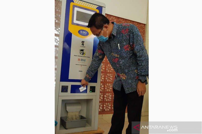 Ada  ATM beras untuk mahasiswa Undip yang tidak mudik
