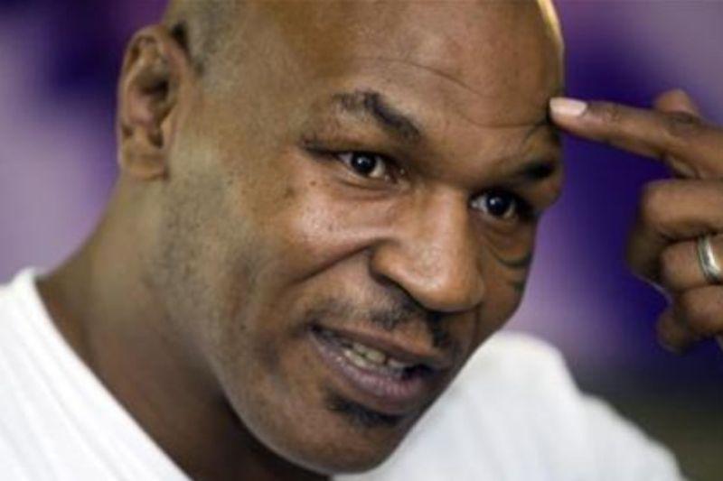 Mike Tyson naik ring tinju kembali