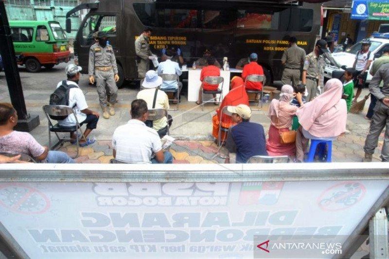 Penerapan sanksi PSBB Kota Bogor mulai hari keempat