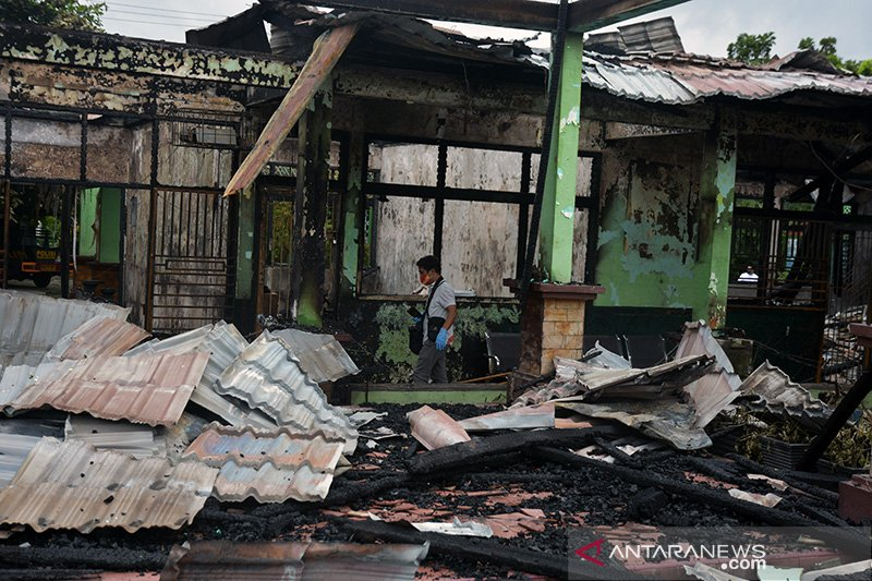 FOTO - Dampak kebakaran SMPN 7 Pekanbaru