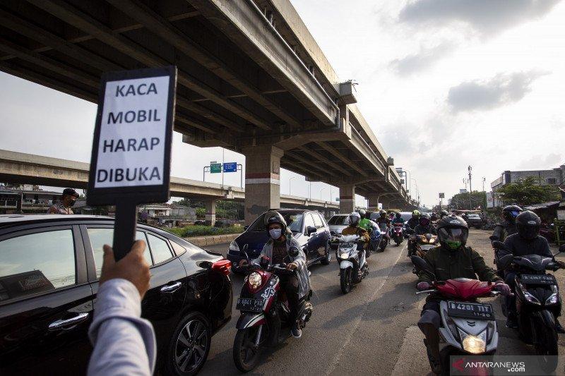 Pemeriksaan keluar-masuk Jakarta di 12 titik