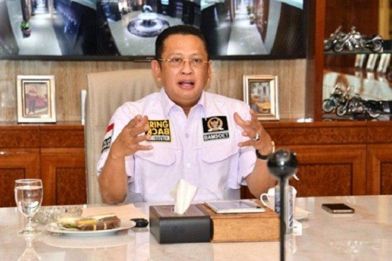 Ketua MPR  Bamsoet bantu mahasiswa perantau terdampak COVID-19
