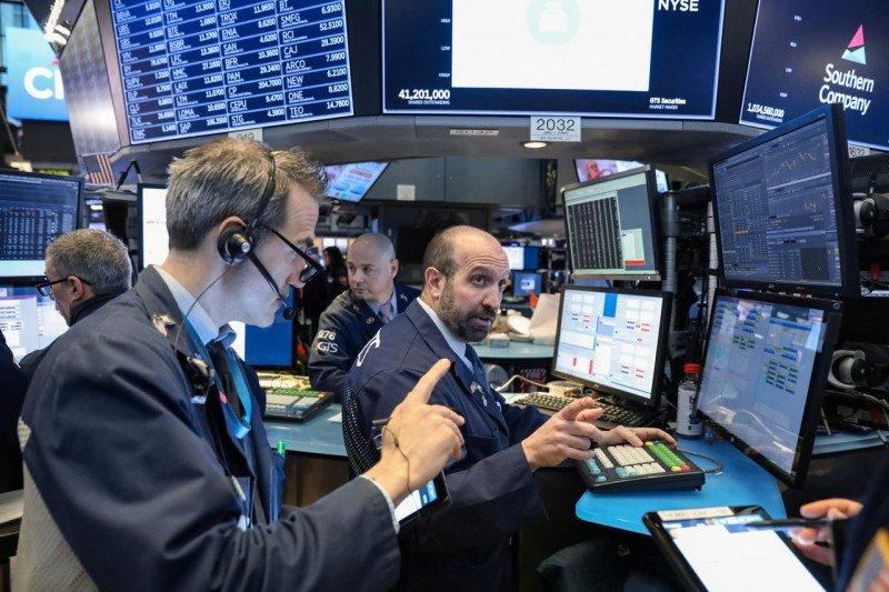 Saham-saham Wall Street dibuka lebih rendah di tengah pidato Ketua The Fed