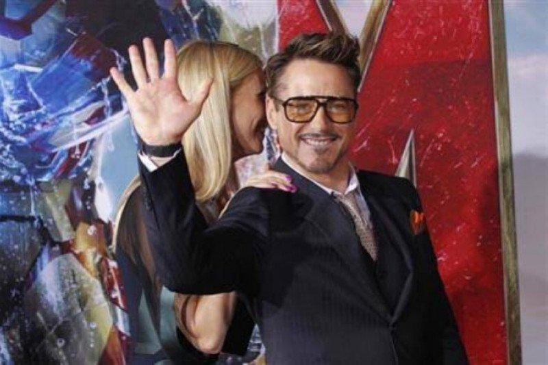 Robert Downey Jr pindah haluan ke komik DC