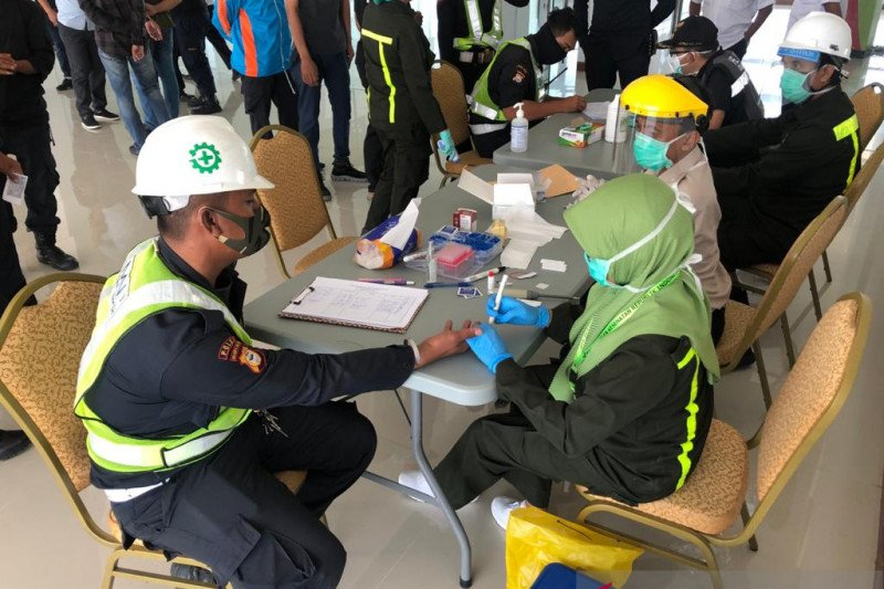 Pelindo IV Cabang MNP rapid test COVID-19 terhadap 29 karyawan