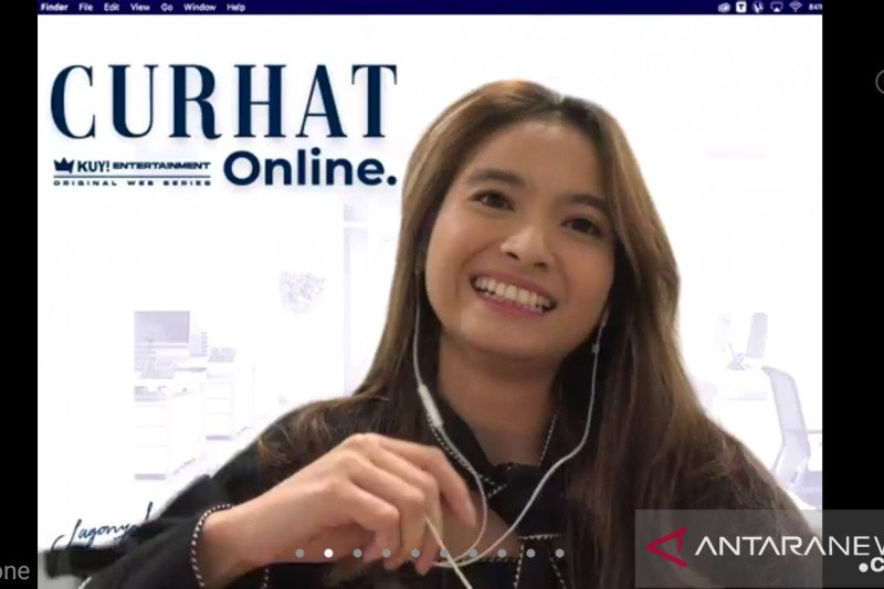 """Syuting """"Curhat Online"""", Acha Septriasa menyediakan ruang khusus"""